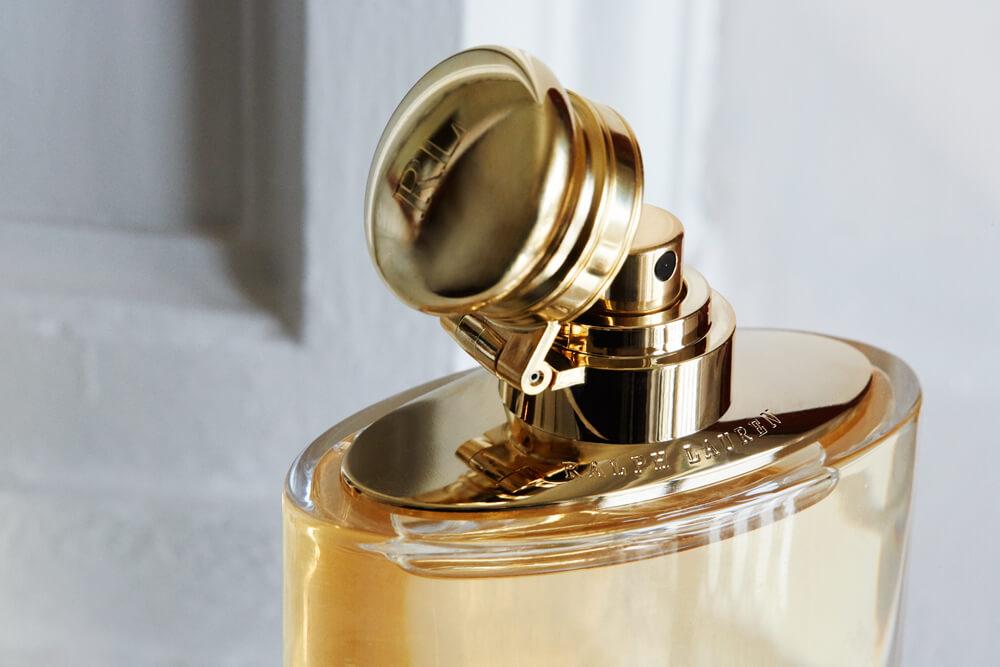 Parte de cima do frasco de perfume
