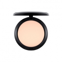 Base Studio Fix Powder Plus Foundation - comprar online